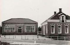 Holtkampschool, rechts huis van hoofdmeester Holtkamp, Feiko Clockstraat.