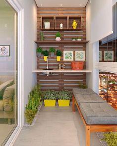 Varanda Gourmet: 25 Lindas Inspirações para Decorar a Sua! Small Balcony Design, Small Balcony Decor, Terrace Design, Apartment Balcony Decorating, Apartment Balconies, Green Apartment, Living Room Tv Unit Designs, Balcony Furniture, Shabby Chic Bedrooms