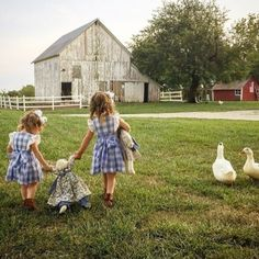 Country life is the best life. 💕 Tag your best friend! Country Charm, Country Life, Country Girls, Country Living, Country Scenes, Farms Living, Down On The Farm, The Ranch, Farm Life