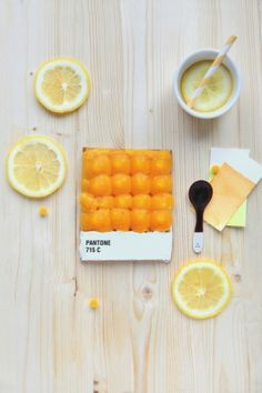 For French culinary magazine Fricote, French food designer Emilie de Griottes developed dessert tarts that recreate Pantone color swatches as food art. Pantone Orange, Pantone Color, Pantone Number, Pantone Swatches, Color Swatches, Food Design, Food Styling, Party Decoration, French Food