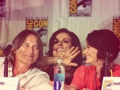 Credit: Twitter / @EvilRegalLife: Love This!  Robert, Lana and Emilie at Comic con 2013