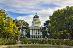 Big news for the #solar industry! California's state's lawmakers have passed two solar bills, one that will change electric rate structures in California as well as remove the cap on net-metering (AB 327); the other will allow Californians to purchase renewable energy from their energy utility (SB 43). http://www.solarreviews.com/blog/california-passes-solar-bills-091613/