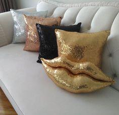 52 Fancy DIY Pillow Ideas 52 Fancy DIY Pillow Ideas The post 52 Fancy DIY Pillow Ideas & Couvre-lit appeared first on Pillow . Diy Throws, Diy Throw Pillows, Old Pillows, Baby Pillows, How To Make Pillows, Cat Pillow, Pillow Room, Best Pillows For Sleeping, Sequin Pillow
