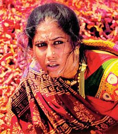 Smita Patil in Mirch Masala All Actress, Vintage Bollywood, The Best Films, Best Mother, International Film Festival, Film Industry, News Online, Beautiful Indian Actress, Elegant Woman