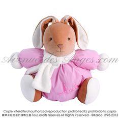 Maxi patapouf lapin rose - Kaloo Winter folies: Une superbe peluche Kaloo pour fêter l'hiver et réconforter les petits.