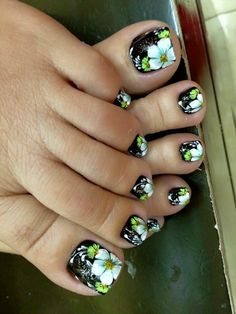 30 Gorgeous Nailart Ideas That Would Leave You Speechless - Page 3 of 3 - Style O Check Pedicure Designs, Pedicure Nail Art, Toe Nail Designs, Toe Nail Art, Pretty Toe Nails, Cute Toe Nails, Fancy Nails, Feet Nails, Toenails