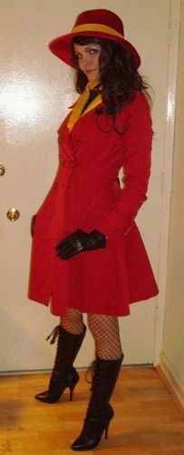 Carmen Sandiego --- Will be on the hunt for a jacket like this too :) Because you can never own too many coats