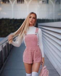 Streetwear Shorts Women Overall Short Feminino spodenki damskie Su. Streetwear Shorts Women Overall Short Feminino spodenki damskie Su. Teenage Outfits, Winter Fashion Outfits, Girly Outfits, Mode Outfits, Cute Fashion, Look Fashion, Outfits For Teens, Fashion For Teens, Womens Fashion