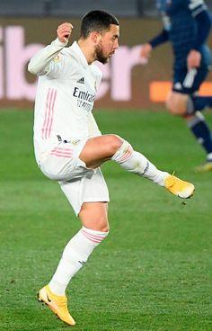 Hazard Real Madrid, Equipe Real Madrid, Eden Hazard, Soccer Players, Rugby, Sexy Men, Football, Running, Sport