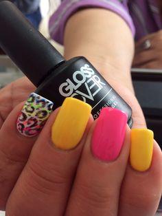 Uñas neon gel gloss over