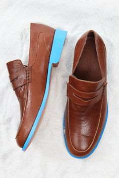 So you like color soles? For $800 uds you can get any colore by esquivelshoes.com #ModaMasculina #MensFashion