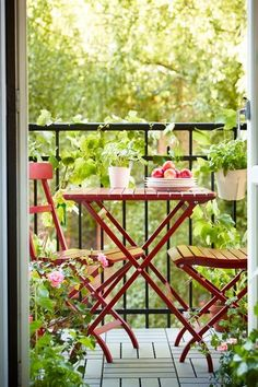 Adorable small balcony ...perfect for breakfast. IKEA MÄLARÖ Table + 2 chairs, outdoor, red