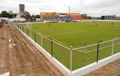 Estádio Belarmino Del Nero - Pirassununga (SP) - Capacidade: 4,9 mil - Clube: Pirassununguense