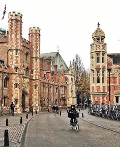 Early mornings in Cambridge, England  Photo by  @dy_ellie