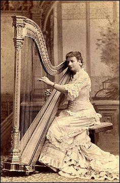 Harpa, 1880.  Fotografia: Okinawa Soba (Rob) no Flickr.