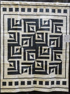 """""""Seeing Black and White"""" by Susie Shkolnik.  2016 El Camino Quilters guild show (California)."""