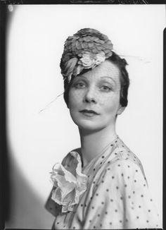Doris Clare Zinkeisen by Howard Coster