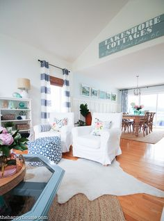 Come tour this beautiful lake house living room and kitchen summer home tour with Country Living at the happy housie-33