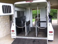 Trailer for the little ones. Very friendly transport for miniature horses and Shetland ponies. #Jupinkle