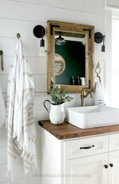 59 New Ideas For Farmhouse Bathroom Mirror Sconces #farmhouse