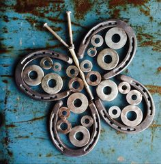 I need one of these Horseshoe Butterfly Garden Wall Art for the gate out back!! How cute!!