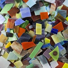 Mosaic Art Glass Assortment is untumbled shards of American-made stained glass in colors chosen for pigment density and opacity for use in mosaic artwork. Mosaic Pots, Pebble Mosaic, Mosaic Diy, Glass Mosaic Tiles, Making Stained Glass, Stained Glass Crafts, Mosaic Supplies, Art Supplies, Mosaic Artwork