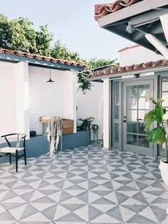 One of the best ways to make your backyard looks stunning is by installing a patio. Check these backyard patio ideas out that you'll love! Patio Tiles, Outdoor Flooring, Concrete Patio, Balcony Tiles, Porch Tile, Outdoor Tile For Patio, Diy Tiles, Patio Wall, Indoor Outdoor