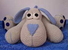 con A de artesanía: Amigurumi perrito Leopoldo Ooooo, als ik dit toch vertalen kon.maar jah, dat kan ik niet :-( He is so cute! Amigurumi Toys, Amigurumi Patterns, Crochet Patterns, Stuffed Animal Patterns, Diy Stuffed Animals, Crochet Animals, Crochet Toys, How To Start Knitting, Love Crochet
