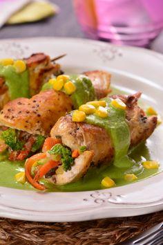 Chicken Rolls in Poblano Sauce – Chicken Recipes Breaded Chicken Recipes, Baked Chicken Breast, Allergy Free Recipes, Healthy Recipes, Pollo Chicken, Lemon Chicken, Deli Food, Mexican Food Recipes, Dessert