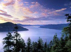 Lake Pend Oreille, Idaho - North of Coeur-d'alene Idaho.  The biggest lake in Idaho.