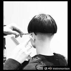 "Gefällt 64 Mal, 1 Kommentare - Barberias y Estilos (@barberiasdelmundo) auf Instagram: ""@apostoldiana #barbieressa #pelocorto #girlswithshorthair #chickfade #shortsexyhair #femalebarber…"""