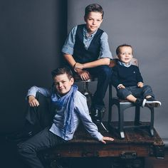 Brothers Three / photo by Candice Stringham Photography Sibling Photography Poses, Sibling Photo Shoots, Sibling Photos, Family Portrait Photography, Children Photography, Family Photos, 3 Brothers Photography, Studio Family Portraits, Family Portrait Poses