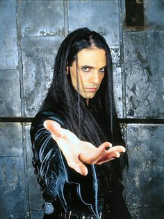 Criss Angel biography, birth date, birth place and pictures
