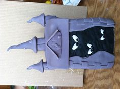 Haunted house for Scooby Doo cake