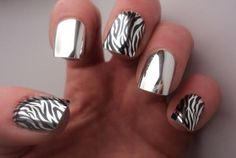 Metallica nail art designs are catchy and attracting. The metallic nail polish is shiny and can easily grab the people's attention on you. This type of Fabulous Nails, Gorgeous Nails, Love Nails, Fun Nails, Amazing Nails, Metallic Nails, Silver Nails, Shiny Nails, Acrylic Nails