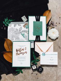 Edgy Metallic Southern Wedding Inspiration #moodyweddingcolors #copperweddingdecor #southernweddingdetails