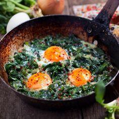 Ao fim do dia quer uma prato leve? Para si, selecionamos várias receitas saudáveis para o jantar, pouco calóricas e simples. Prove estas espetadas de
