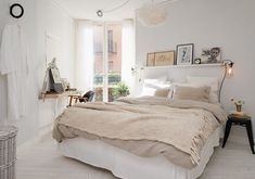 light and natural palette for a small bedroom | #bedroom