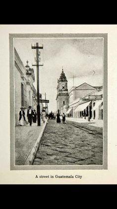 7ma. Avenida zona 1. Alrededor de 1910.