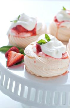 Low FODMAP Recipe and Gluten Free Recipe - Strawberry cream-filled meringues