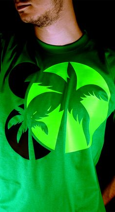 "Check out this #NEON ""PLAM TREE"" Est Hertis T-Shirt online: http://www.esthertis.com/t-shirts/neon/palm-tree-green.html #tee #top #tshirt #clothing #fashion #design #graphic #greece #product #green"