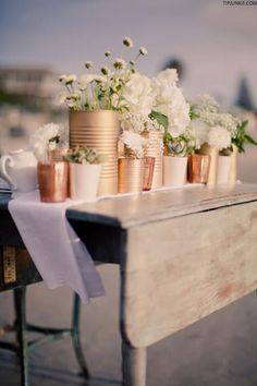 Metallic and White Flower centrepieces | Outdoor Dining Inspiration