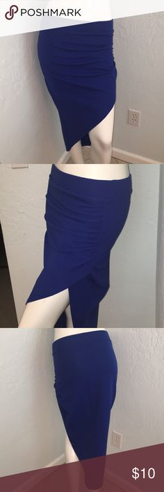 Hi-Lo Slit Skirt (SALE) Papaya Blue Size : Medium   -Never Worn Colors may vary due to lighting, seller does its best to portray the right color. -P-11 Papaya Skirts High Low