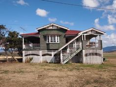 Queenslander and Colonial Homes Queenslander House, Front Stairs, Timber Door, Pine Floors, Australian Homes, Home Reno, Bay Window, Building Design, Old Houses
