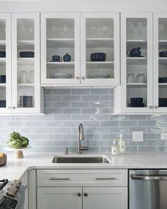 Home Decor Kitchen, Kitchen Interior, New Kitchen, Home Kitchens, Stone Interior, Coastal Kitchens, 1970s Kitchen, Beach House Kitchens, Interior Modern