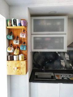 Un mueble estantería con palets para la cocina 6a732e108d9d