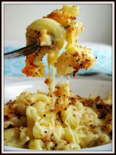 Crock pot mac n cheese.  minutes, reduce the temperature to LOW and cook for 2 to 2 1/2 hours, until custard is set in the center and the pasta is tender. The macaroni and cheese may sit in the cooker on the KEEP WARM setting for 30 minutes before serving. Before dishing it up,