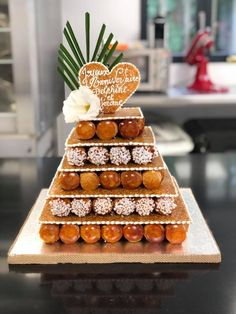Quick And Schrieb Vegan Recipes Suggestions - Breakfast, Mittagessen And Dinners For The Sozusagen Paced Vegan - My Website Croquembouche, Vegan Wedding Cake, Wedding Cakes, Protein Breakfast, Breakfast Recipes, Profiteroles, Eclairs, Large Group Meals, Balsamic Beef