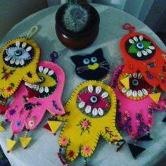 Diy Xmas Gifts, Bohemian Christmas, Diy And Crafts, Arts And Crafts, Felt Mobile, Art Addiction, Boho Room, Felt Cat, Felt Ornaments