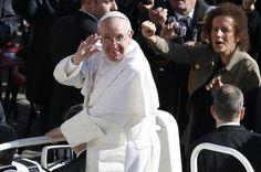 Os pobres ao lado dos poderosos, uma presença desejada pelo Papa | Papa pede defesa dos mais fracos e do meio ambiente em missa inaugural, realizada na manhã dessa terça-feira (19). http://mmanchete.blogspot.com.br/2013/03/os-pobres-ao-lado-dos-poderosos-uma.html#.UUju5Bw3uHg